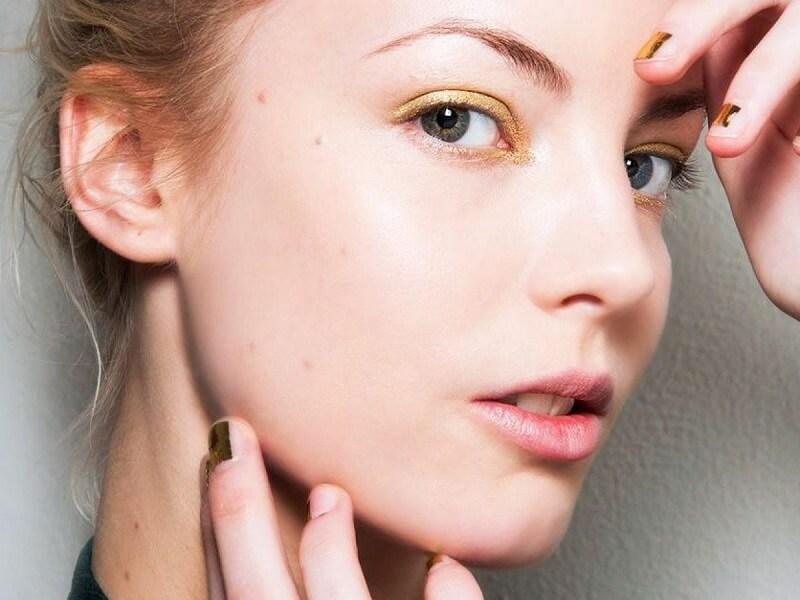Bạn nên kiên trì với bài tập massage gương mặt để làm thon gọn xương hàm