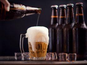 trị mụn bằng bia