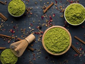 trị mụn bằng bột trà xanh