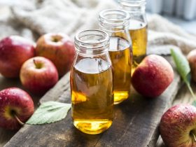 trị mụn bằng giấm táo